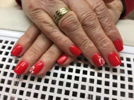 Ricostruzione e decorazione delle unghie: un po' di storia