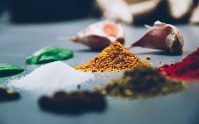 Spezie ed erbe aromatiche: guida all'uso in cucina