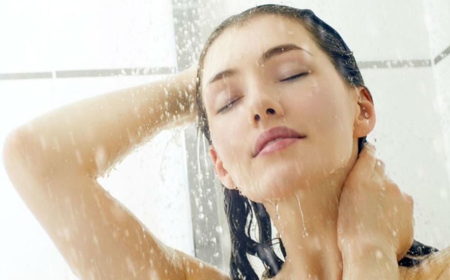 La doccia come trattamento di bellezza