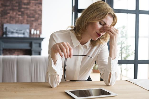 Lenti da vista per ufficio addio a stanchezza visiva e problemi posturali