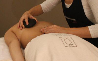 Stone massage: benefici per mente e corpo